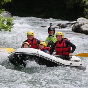 Descente en rafting de l'Isère en famille